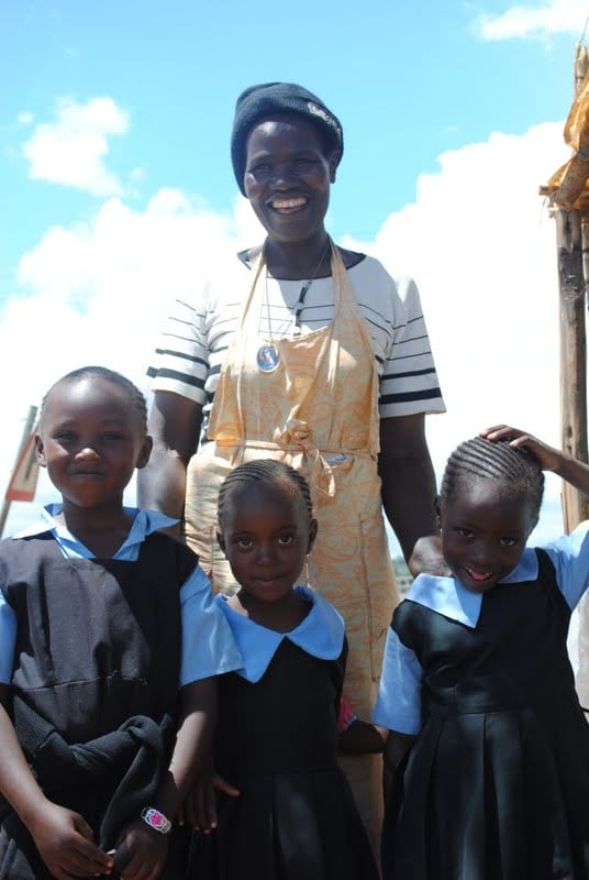 Elamina Mada and her children